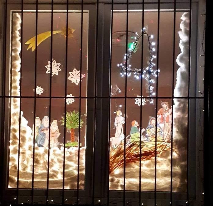Adventi naptár Dejtár Ceferino Ház ablakában