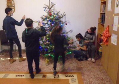 KarácsonyfaDíszítés08